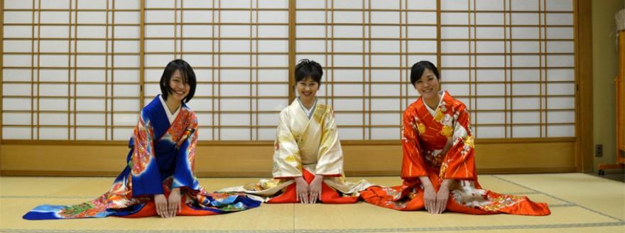 東京都江戸川区の所作教室、立ち居振る舞い教室、美しい着物姿、イベントやワークショップの開催、着物でお出おかけ、着物で地域活性化の応援など。